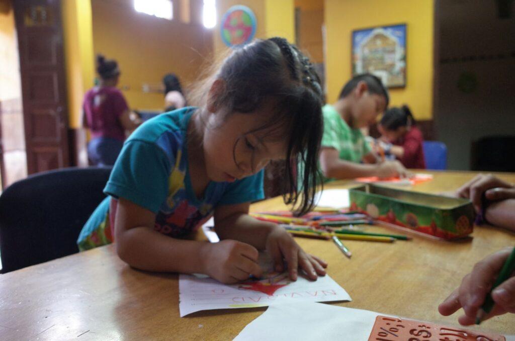 pre escolar gratis para niños medellin colombia