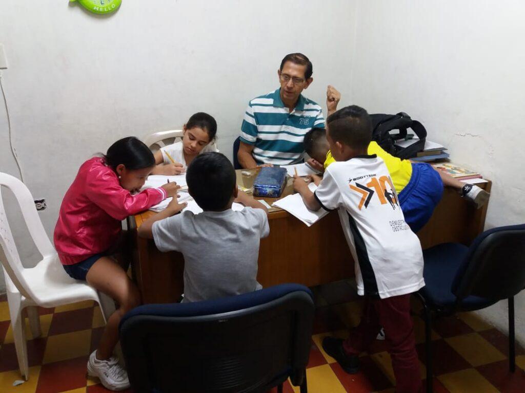 fundación escolar medellin colombia